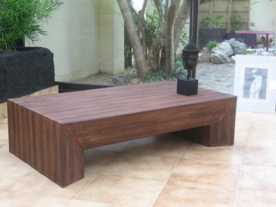 cr ation meuble en carton table basse imitation bois cr ation meuble en carton de www. Black Bedroom Furniture Sets. Home Design Ideas