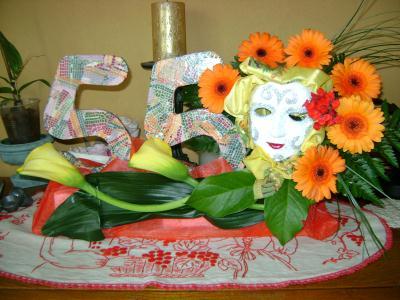 cr ation composition florale anniversaire d cor pour une soir e costum e cr ation art floral. Black Bedroom Furniture Sets. Home Design Ideas
