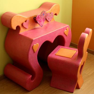 cr ation meuble en carton coiffeuse et chaise cr ation meuble en carton de cartonnable n. Black Bedroom Furniture Sets. Home Design Ideas