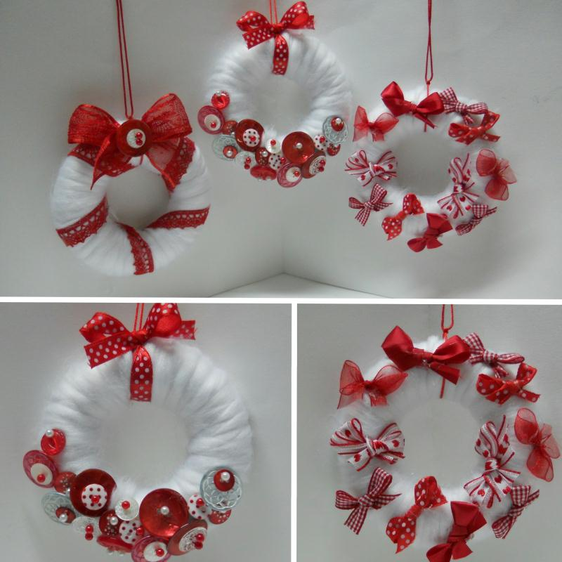 Cr ation d co de no l en rouge et blanc mini couronnes cr ations d coration de f tes de - Deco couronne de noel ...