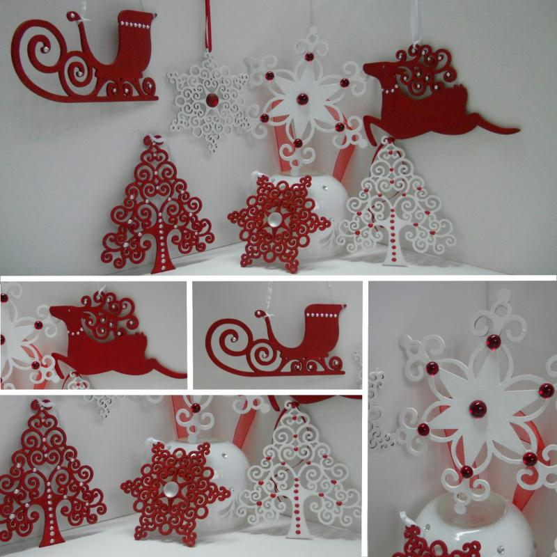 D coration de no l en rouge et blanc d corations de for Deco de sapin de noel rouge et blanc