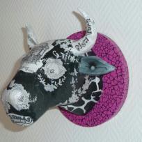 Réalisation décopatch : tête de vache noir blanche et rose