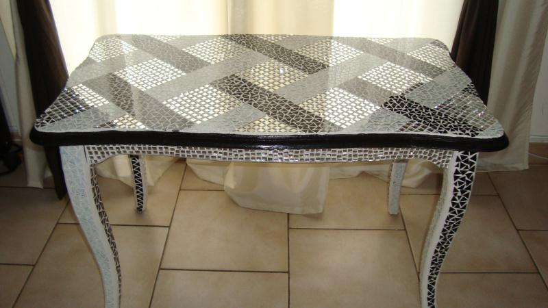 cr ation table basse recouvert d 39 une mosaique cr ations. Black Bedroom Furniture Sets. Home Design Ideas