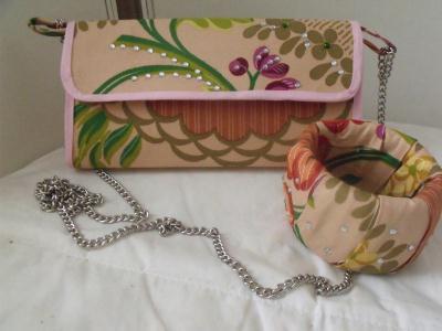 Création en récup : brique de lait transformé en sac à main et bracelet