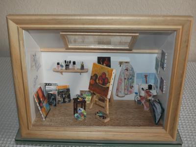 cr ation vitrine miniature l 39 atelier du peintre sous les toits cr ation maquettes et. Black Bedroom Furniture Sets. Home Design Ideas