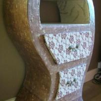Création meuble en carton dentelle