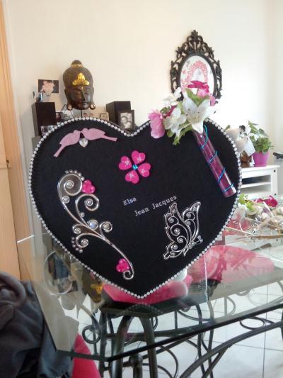 D coration d 39 une urne noire et rose pour mon mariage - Comment decorer une corbeille de mariage ...
