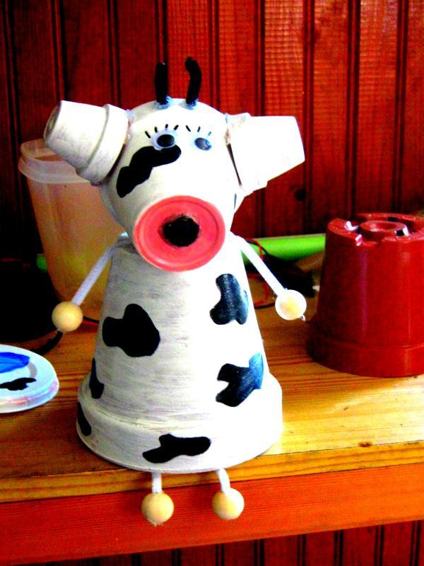 cr ation vache en pot de fleur cr ations personnage en pot de isabelle7820 n 51999 vue 1717 fois. Black Bedroom Furniture Sets. Home Design Ideas