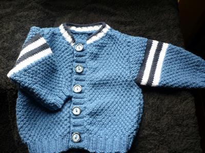 Cr ation d 39 un gilet de b b au point de bl cr ation tricot de lumina n 52 444 vue 787 fois - Point de ble au tricot ...