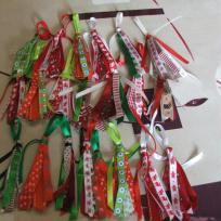Création de petites suspensions pour Noël en rubans