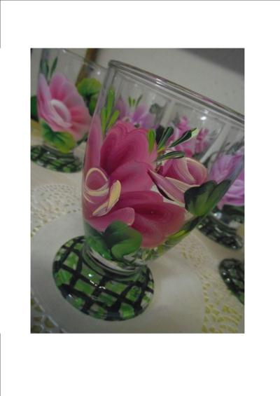Cr atioin verre d cor motif floral one stroke cr ation - Peindre sur verre 100 modeles originaux ...