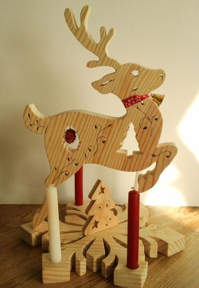 cr ation bougeoir de table en bois en forme de renne. Black Bedroom Furniture Sets. Home Design Ideas
