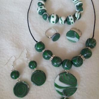 Création Parure bijoux verts
